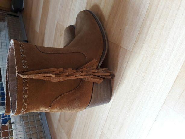 Ботинки замш 38р (25 см) новые.