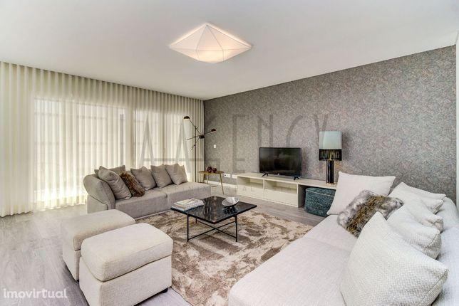 Excelente Apartamento T3 em Porto Salvo