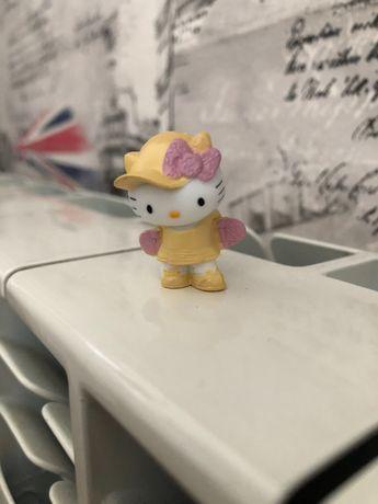Новая фигурка Hello Kitty Chupa Chups