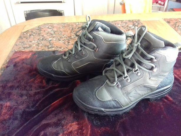 Продам спортивные мужские демисизонные ботинки на подростка 39 р