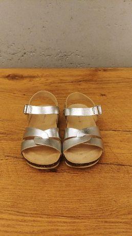 Metalizowane sandały z paskami dla dziewczynki rozm 23 - CUDNE!