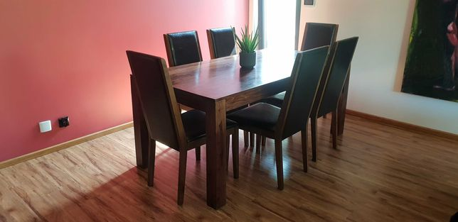 Stoł drewniany z 6 krzesłami