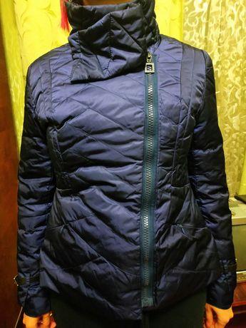 Куртка женская демисезонная 48р. на пуху