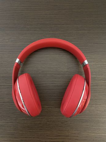 Beats studio RED