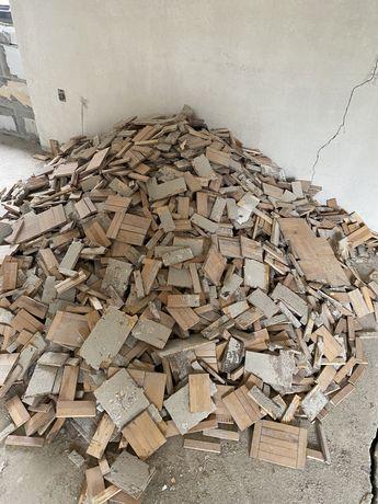 Parkiet drewniany lakierowany