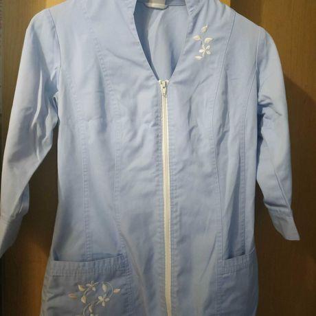 Продам медицинскую куртку(верх от мед.кост) и мед.шапочку