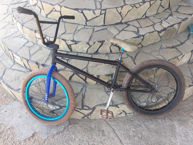 Продам кастом bmx,бмх велосипед