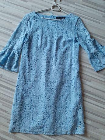 Sukienka wizytowa Top Secret z błękitnej koronki roz. 36