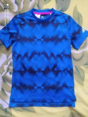 Как новая фирменная футболка Adidas