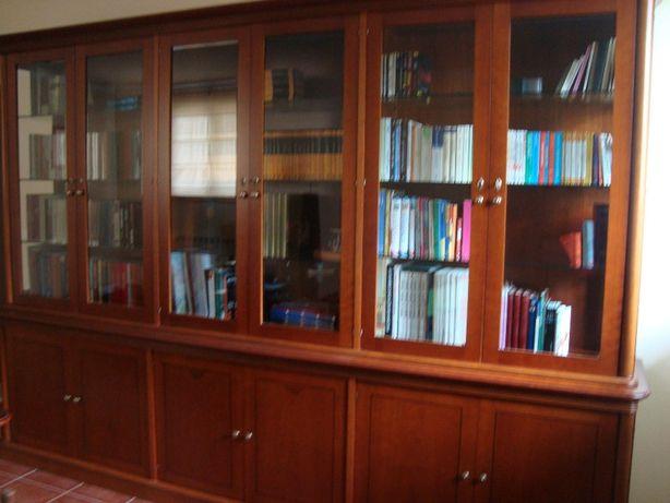 Biblioteca cerejeira maciça