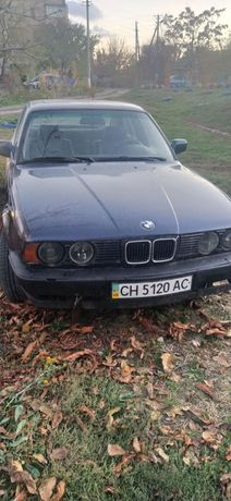 Продам обмен  под ремонт или на розбор BMW  520 е 34 мотор м50б20