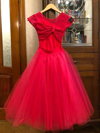 Плаття для бальних танців з двома спіднич140-146-152 DanceModa. Бейсик