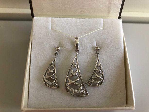 APART - Komplet srebrny z cyrkoniami - kolczyki i zawieszka 925