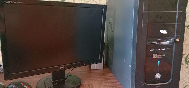 Продам компьютер монитор