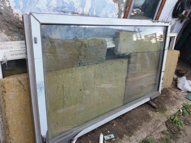 Продам металопластиковое окно, глухое.
