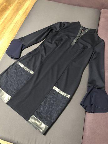 Продам темно-синее платье