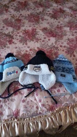 Все 3 шапки на мальчика за 100 грн.