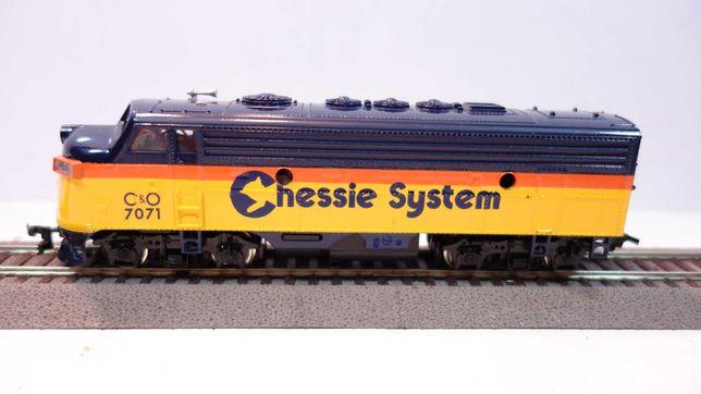 Lokomotywa diesel Bachmann C&O Chessie System skala H0  //203