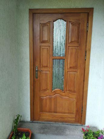 Зроблю дерев'яні двері, ліжка, вікна під замовлення