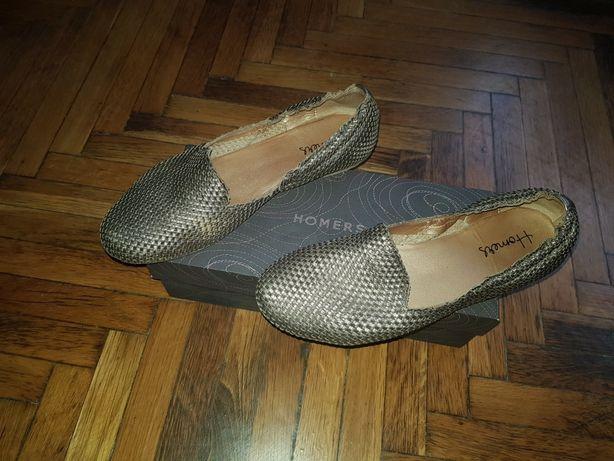 Продам женский туфли