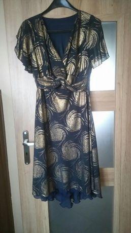 Sukienka odświętna może być z żakiecikiem-bolerkiem