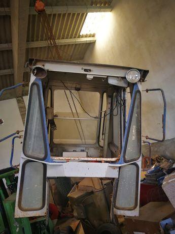 Cabine de Retroescavadora Kubota R410