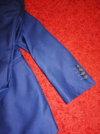 Garnitur spodnie marynarka