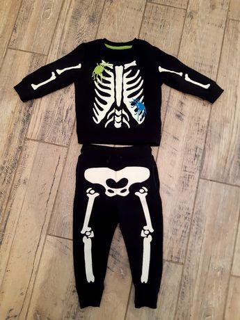 Продам очень крутой теплый костюм на мальчика на 1,5-2 годика