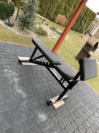 Ławka regulowana do ćwiczeń na siłownie z modlitewnikiem