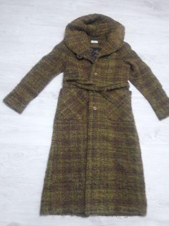 płaszcz zimowy boucle wełniany