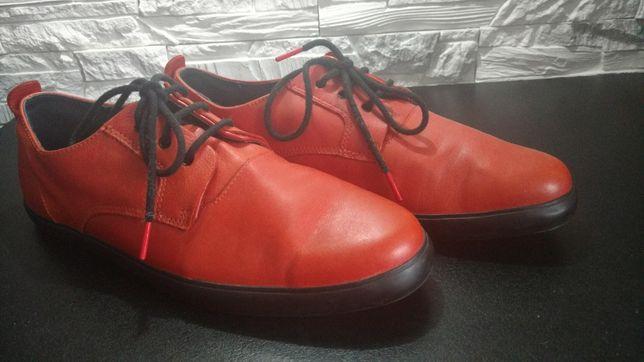 Czerwone buty Camper