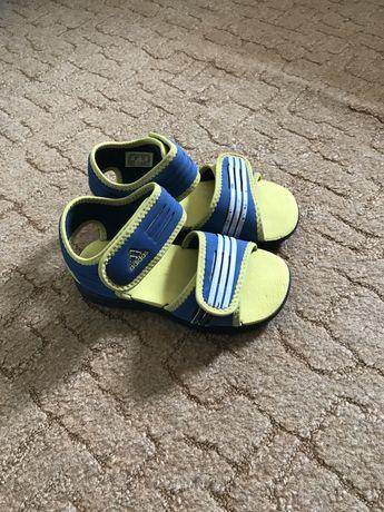 Санадалии ( босоножки) сандали