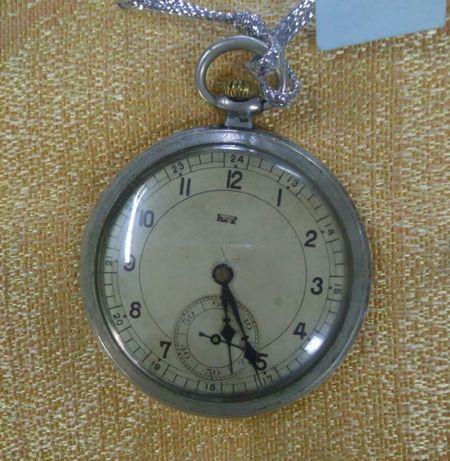 Relógio de bolso antigo a funcionar