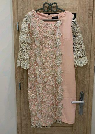Sukienka wizytowa zrobiona koronką