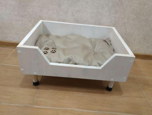 Надёжная лежанка для собаккошек из сосны ЭКО 55см 2 цвета