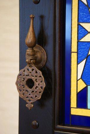 Покраска/ремонт/реставрация входных/деревянных дверей/окон/балконов.