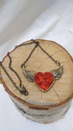 Naszyjnik Królewskie serce ze skrzydłami-Walentynki