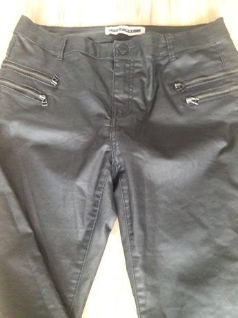 Spodnie woskowane czarne slim 40