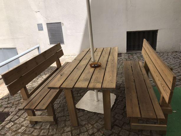 Conjunto de madeira para jardim