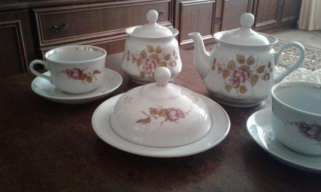 Чайный сервиз на 6 персон. фарфор