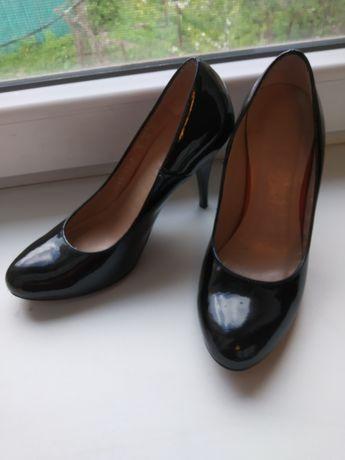 Туфлі чорні як нові