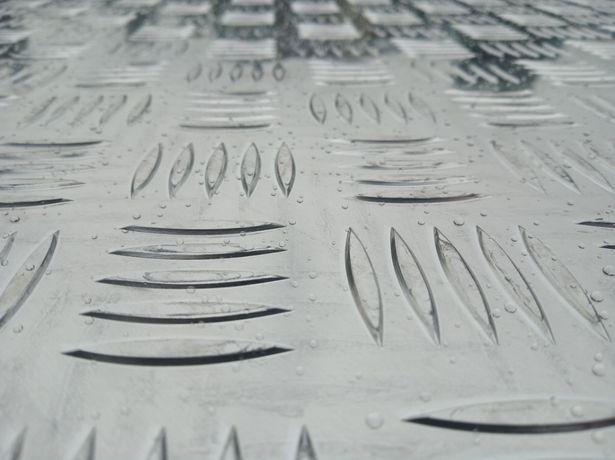 Blacha ryflowana antypoślizgowa aluminiowa gr 4 mm, laweta, przyczepa
