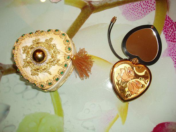 на подарок девушке: керамическая шкатулочка и зеркальце сердце