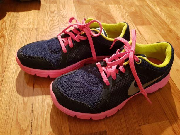 Sapatilhas Nike tam.36,5