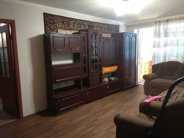 Продам 4-х комнатную квартиру на проспекте Гагарина