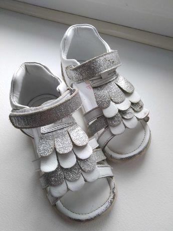 Sandałki Lasockiego 22