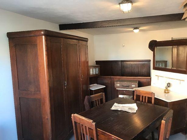 Komplet stare meble debowe (szafa, stol, krzesla, lozko)
