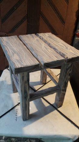Ręcznie robiony solidny taboret