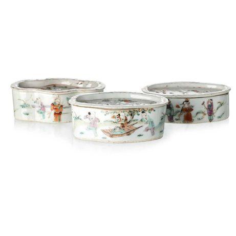 Três Incensários Porcelana