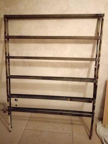 Розбірний стелаж з металевого уголка. Для гаража або кладовки.